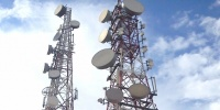 الخدمات النيابية تتهم هيئة الاعلام بالتستر على عقود تراخيص شركات الاتصال